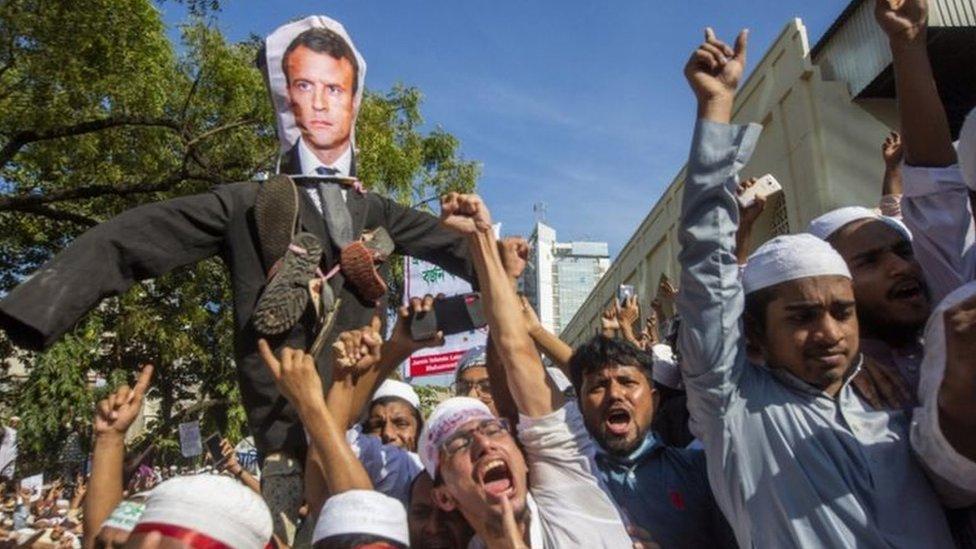 تظاهرات مناهضة لفرنسا في بنغلاديش