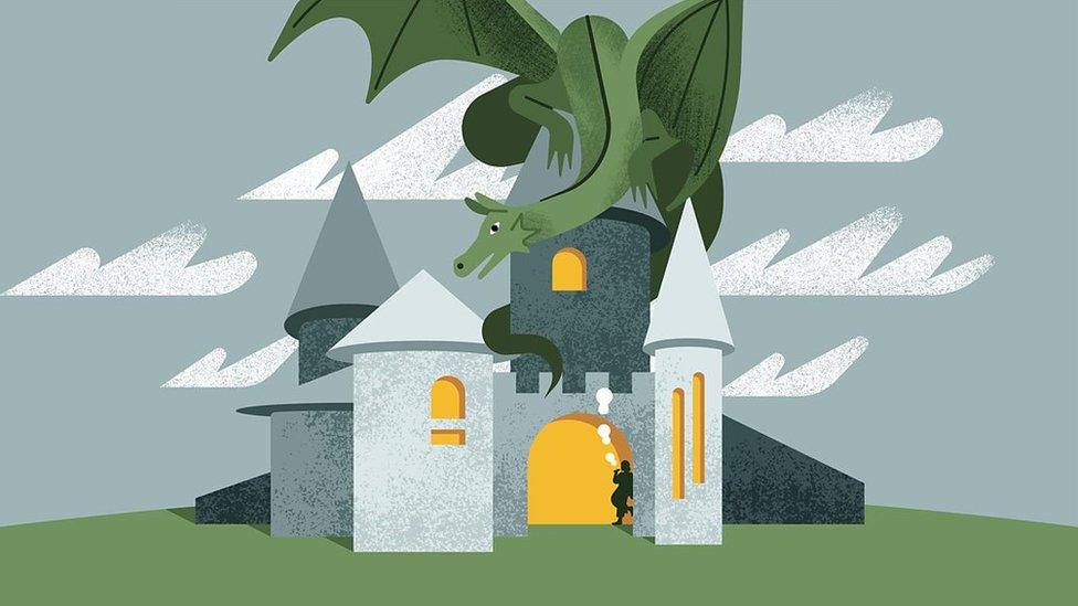 Ilustración de un dragón acechando sobre un castillo.