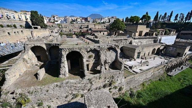 مدينة هركولانيوم القديمة