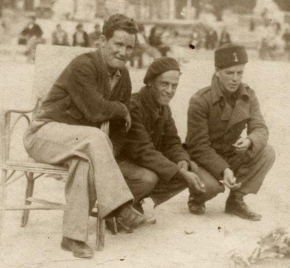Tom Jones, in Barcelona, 1938 with members of the anti-tank crews