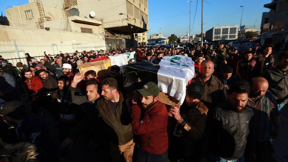 مراسم تشييع بعض ضحايا الهجوم الذي شهدته بغداد صباح يوم الخميس