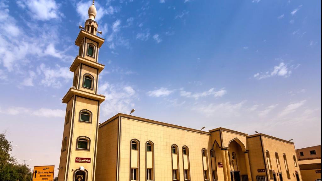 أعلن وزير الشؤون الإسلامية في السعودية قصر استعمال مكبرات الصوت الخارجية للمساجد على رفع الأذان والإقامة فقط.