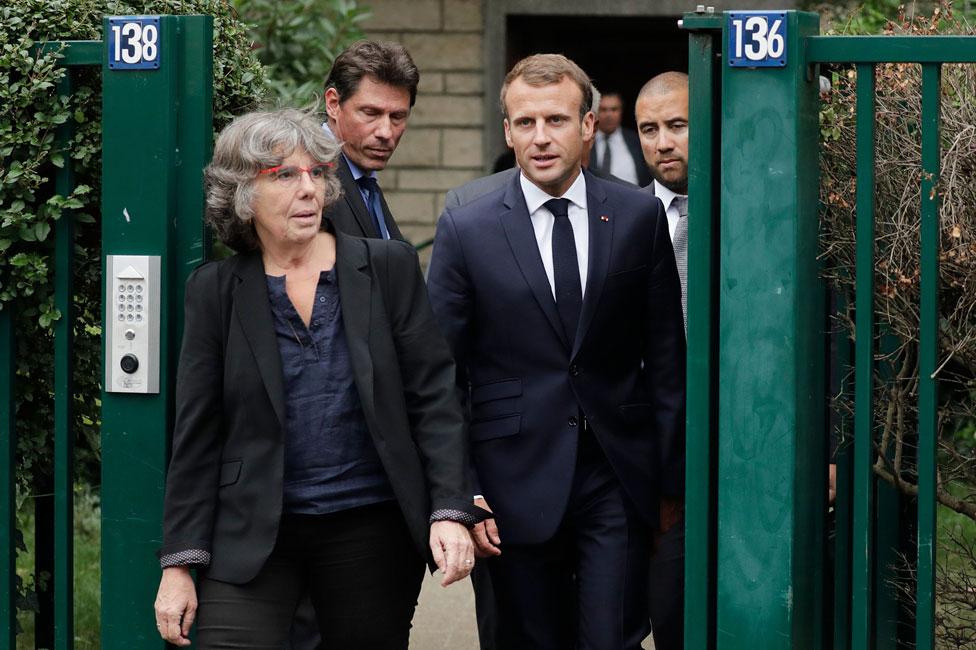 Michèle Audin con el presidente francés Emmanuel Macron