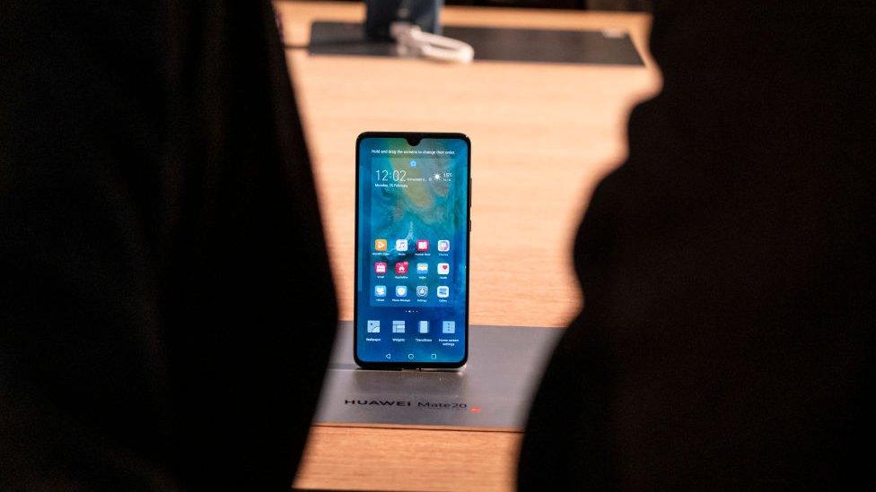 Qué empresas compiten con Huawei en el desarrollo de la