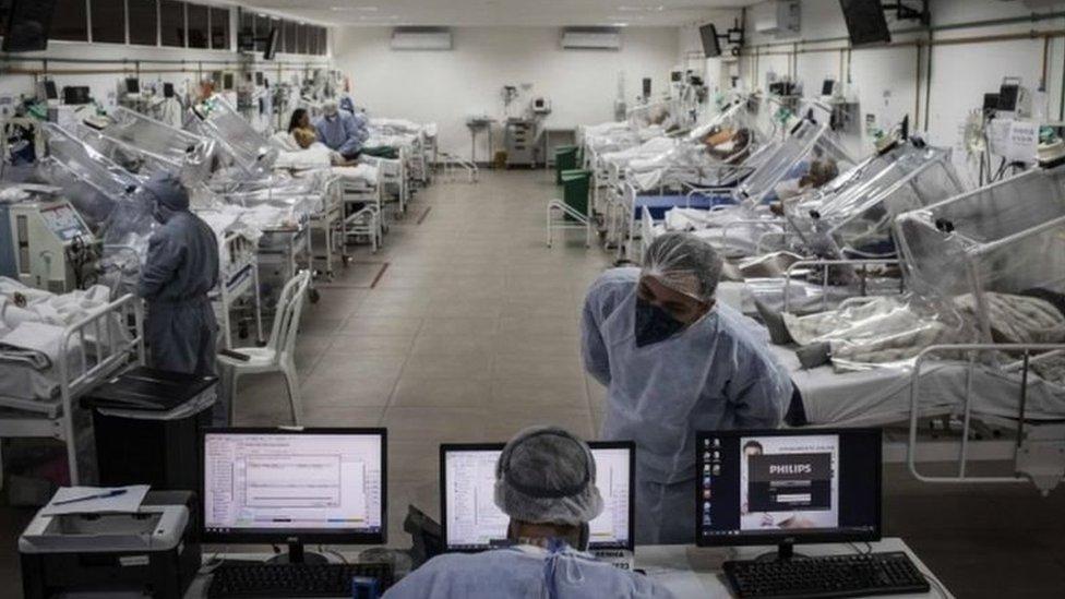 UTI com pacientes com coronavírus