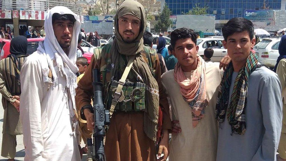 Combatiente del Talibán el pasado 11 de agosto tras capturar una ciudad 200 kilómetros al norte de Talibán.