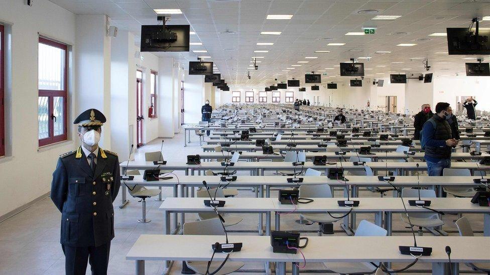 Ruang pengadilan kasus mafia 'Ndrangheta