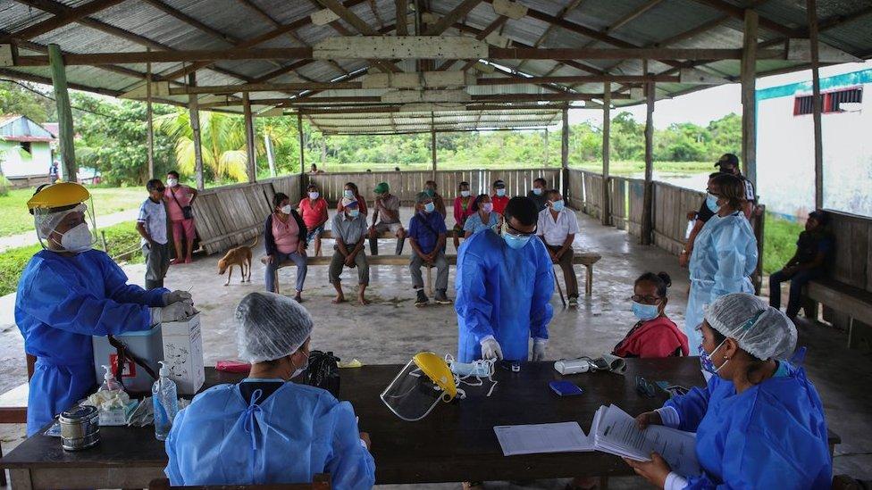 تقول منظمة الصحة العالمية إن سلالة لامدا مسؤولة عن زيادة كبيرة في انتقال العدوى في بيرو وتشيلي والأرجنتين والإكوادور