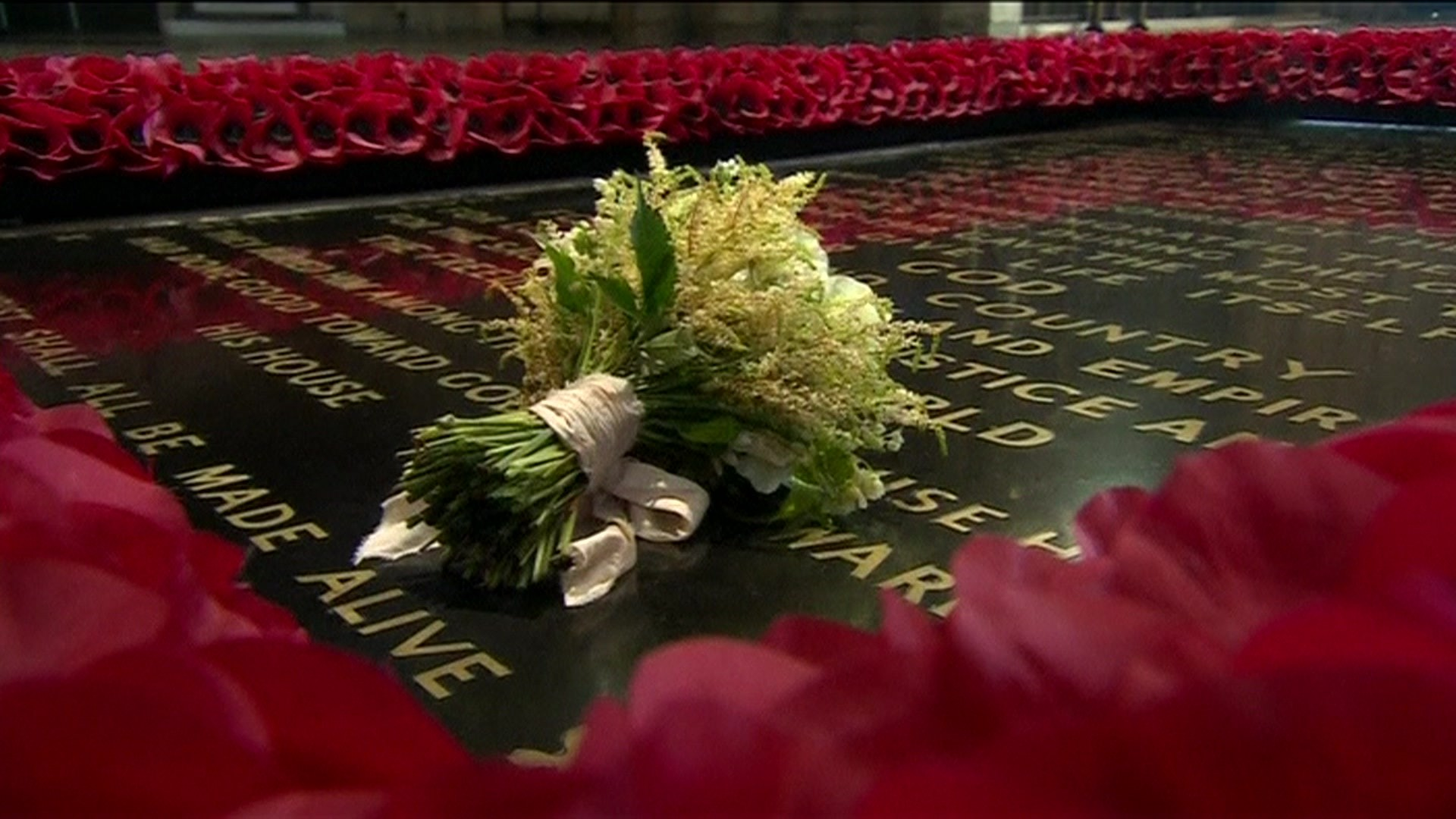 Royal wedding 2018: Bouquet laid on tomb of unknown warrior