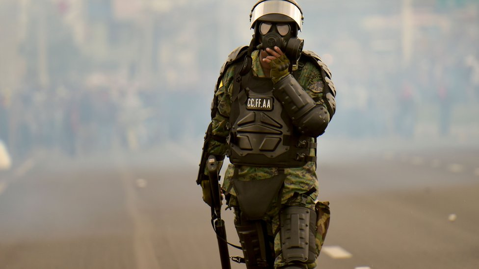 Un soldado ecuatoriano