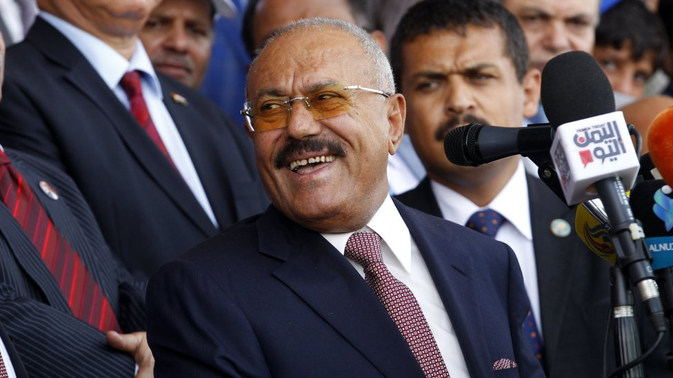 Ali Abdullah Saleh (C) attends a rally marking the 35th anniversary of the formation of his General People's Congress party in Sanaa, Yemen (24 August 2017)