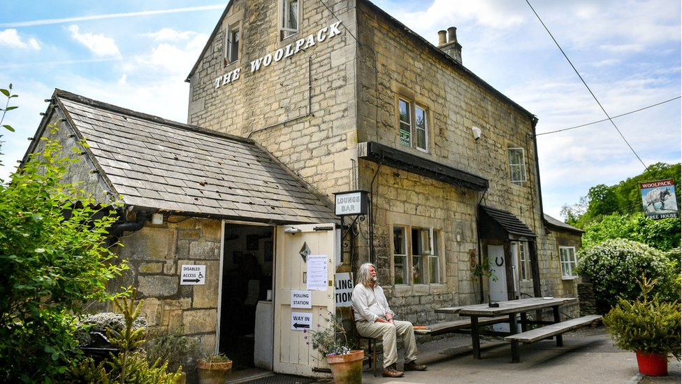 The Woolpack pub in the Cotswolds