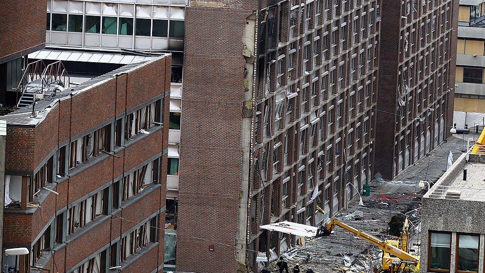 Edificio del gobierno tras la explosión perpetrada por Breivik.