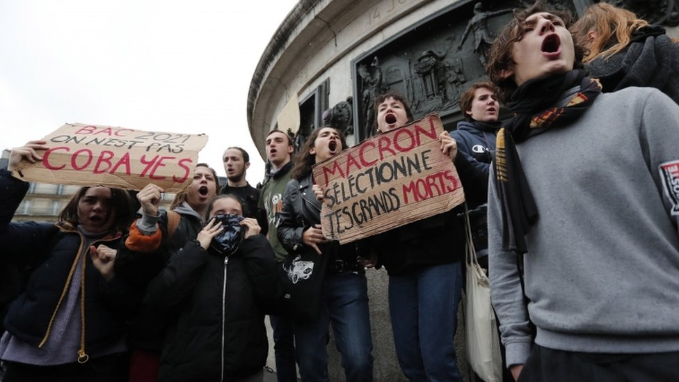 Students protest in Paris
