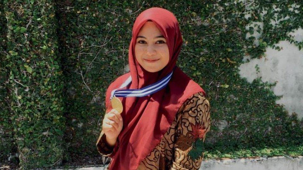 دينا نصيرة الدين فازت في مسابقة للغناء