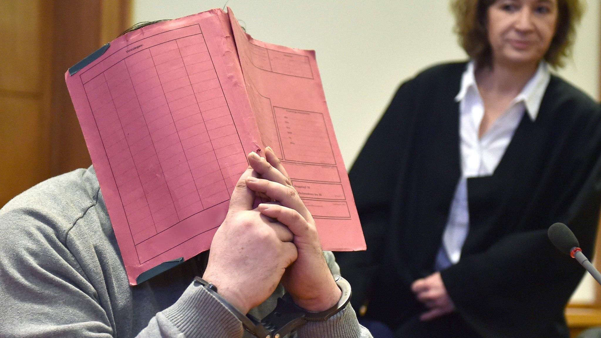 У Німеччині судять медпрацівника, якого звинувачують у вбивстві 100 пацієнтів