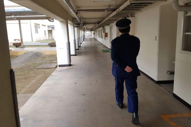 حارس سجن ياباني