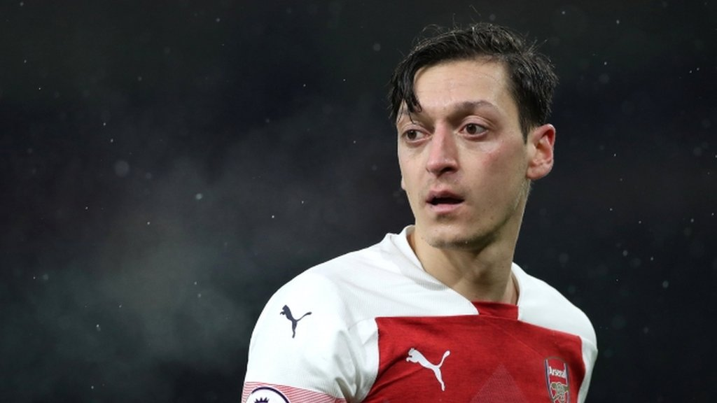 Mesut Ozil: Arsenal manager Unai Emery says midfielder's future is 'in his hands'