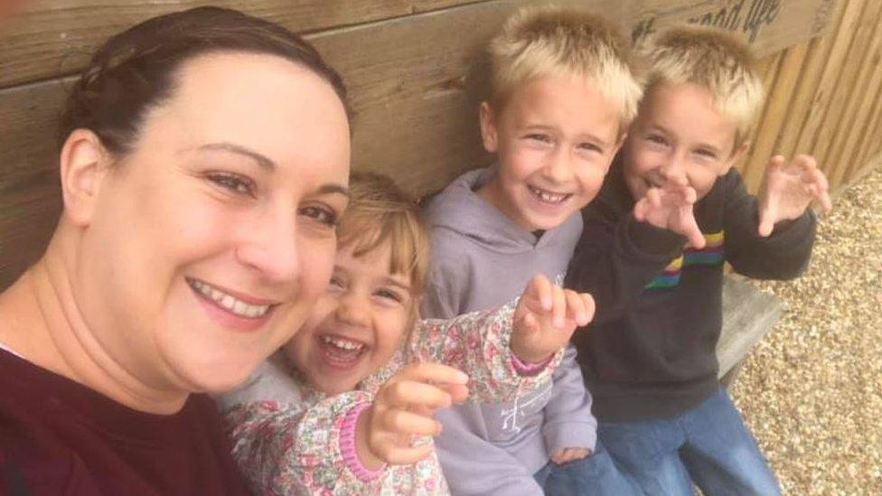 Emma y sus hijos