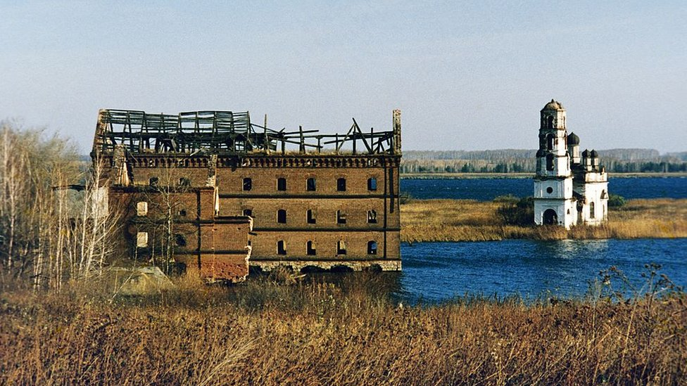 Pueblo abandonado cerca de la central de Mayak, 1994.