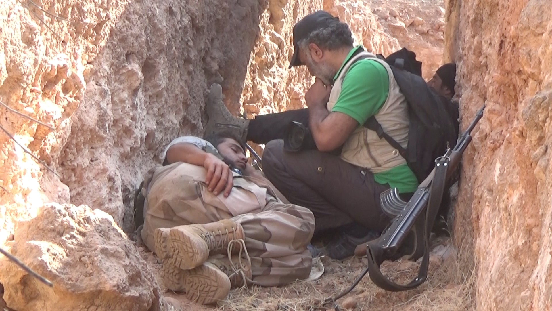 Abud Hamam i vojnik koji spava