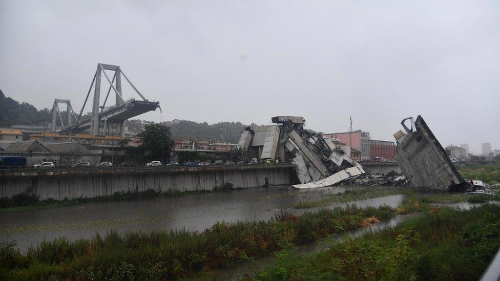 El puente en Génova