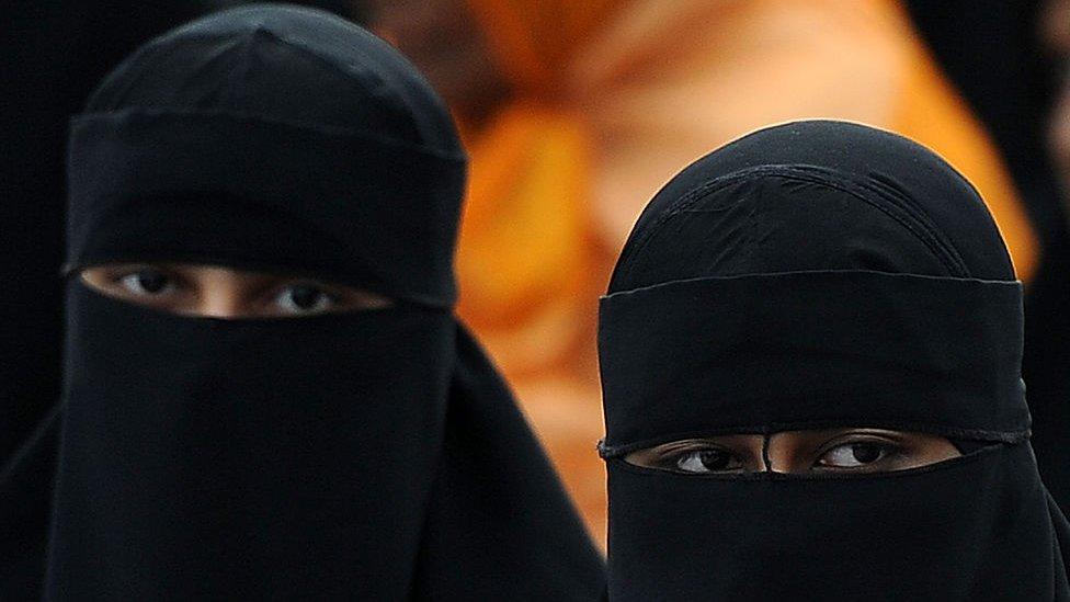 Після вибухів на Шрі-Ланці влада заборонила одяг, що закриває обличчя