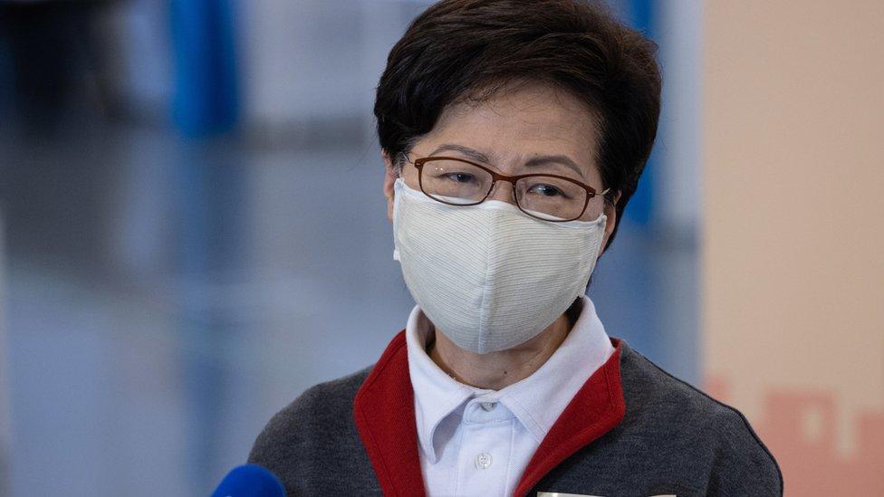 林鄭月娥在香港中央圖書館接種新冠病毒疫苗之後會見記者(22/2/2021)