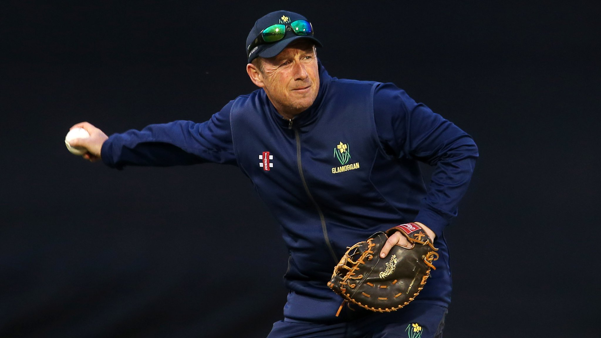 Robert Croft leaves Glamorgan head coach role