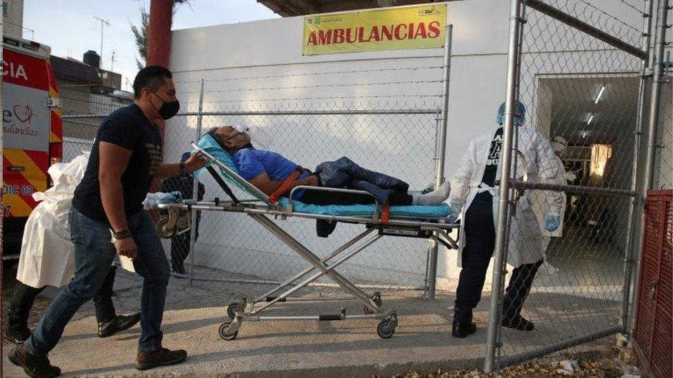 México tem presidente de esquerda que rejeita máscara e maior taxa de mortes do continente