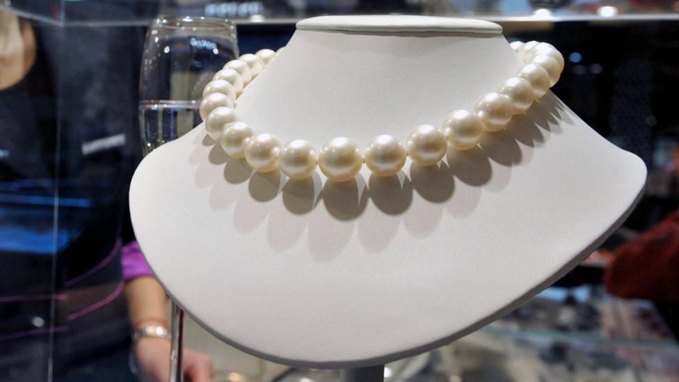 Pearls in shop in Beijing