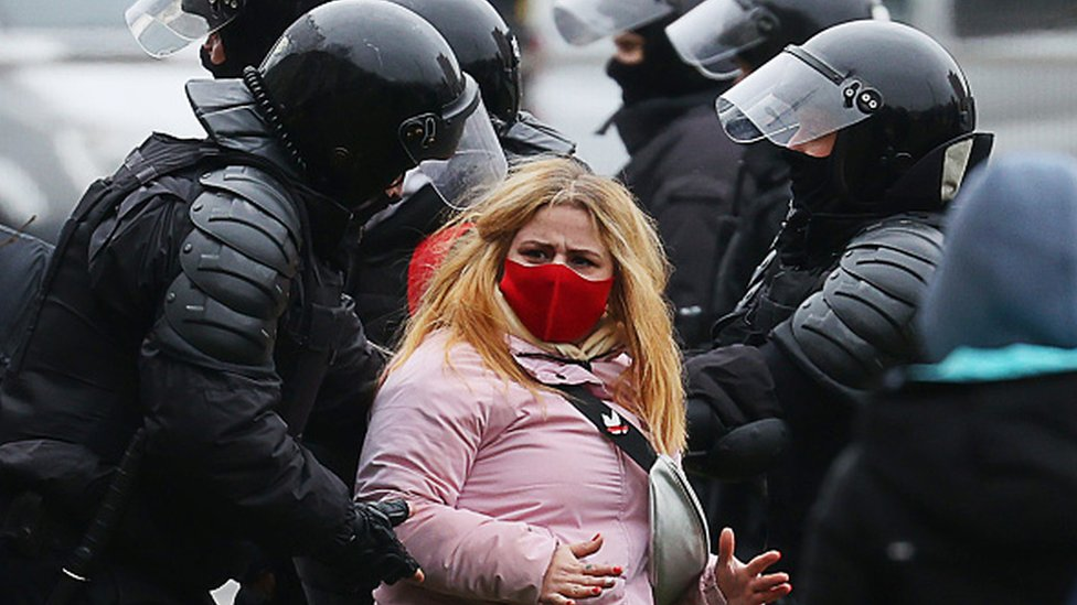 Belarus: 'Over 1,000 arrested' at latest anti-government protest thumbnail