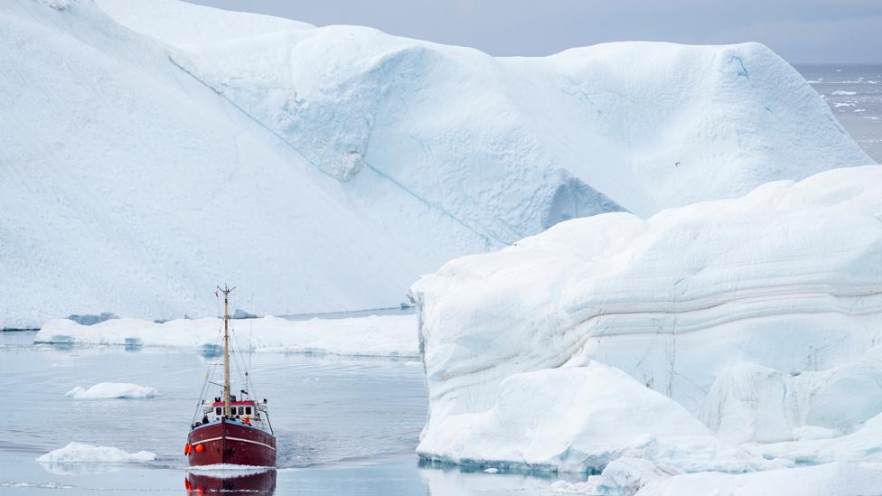 आर्कटिक में बर्फ पिघलना अच्छी बात, बनेंगे व्यापार के नए रास्ते- अमरीका