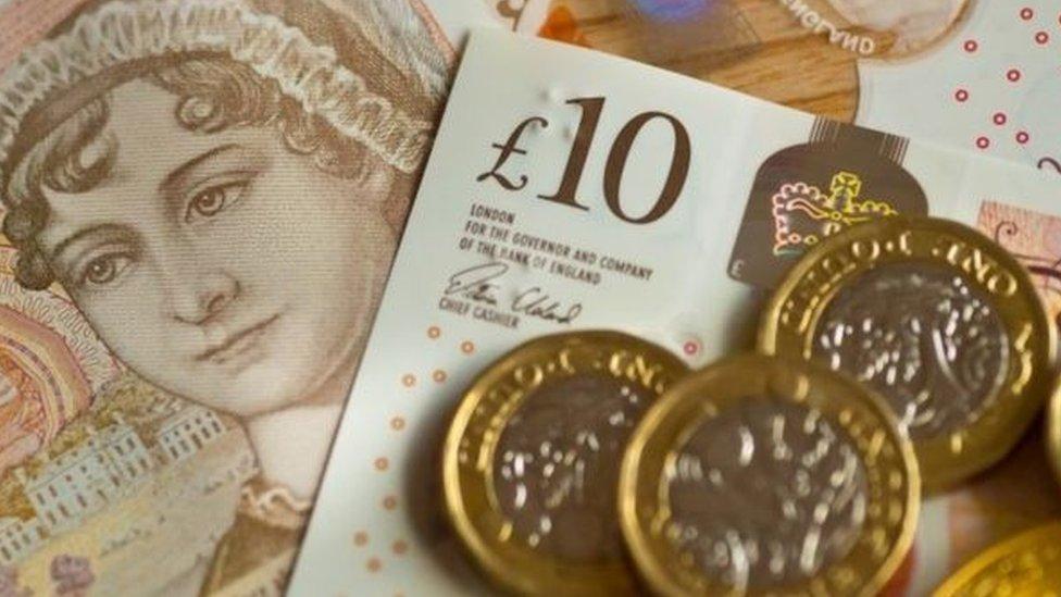 أموال بريطانية