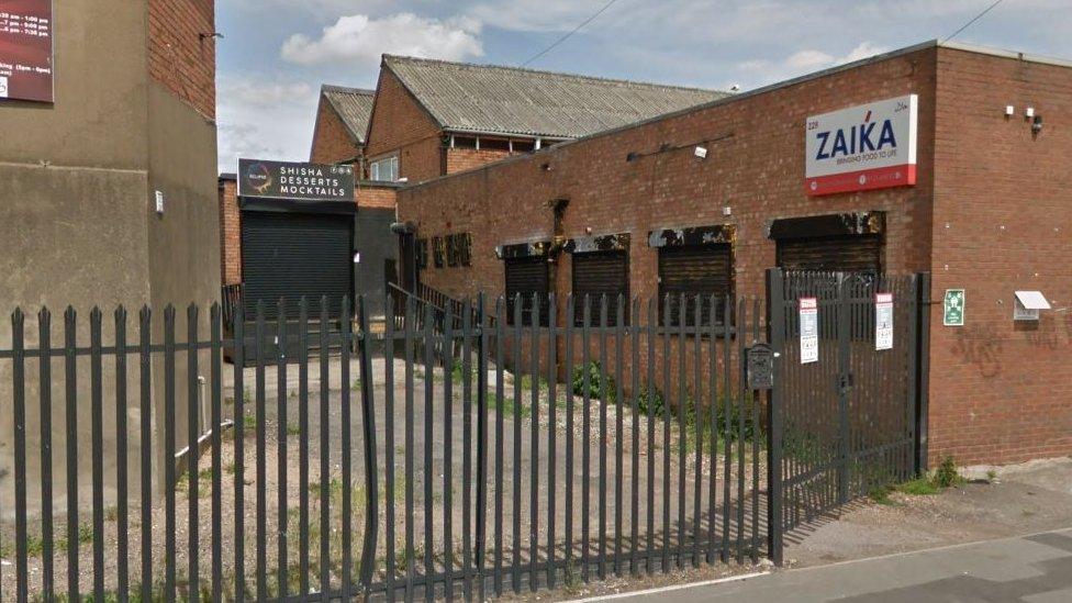 Covid: Birmingham shisha cafe shut down after second breach - 2 -