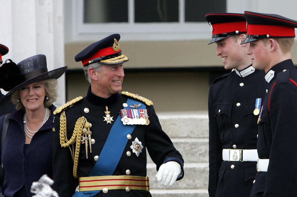 Na proslavi završetka školovanja princa Harija
