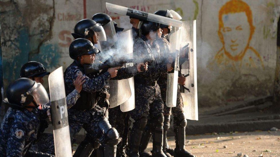 NO USAR / BBC. Según el analista ruso Viktor Semenov, al gobierno de Maduro le conviene contenerse en la represión de las protestas.