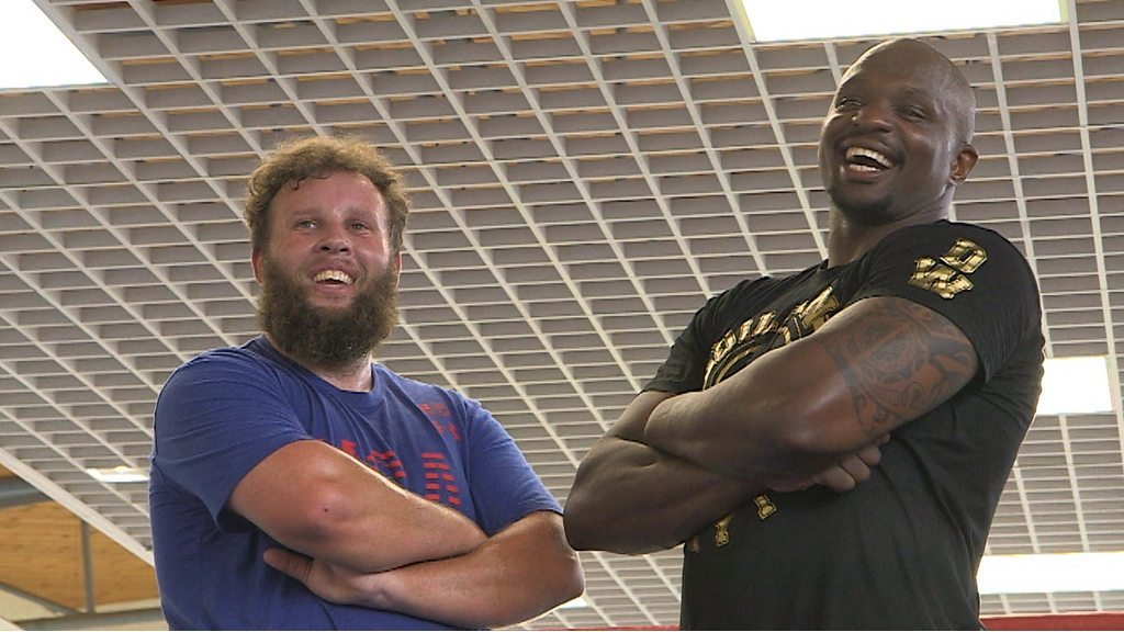 The Open: Andrew 'Beef' Johnston trains with boxer Dillian Whyte