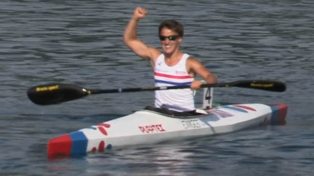 Emma Wiggs wins Para-canoeing world gold as GB secure Rio place