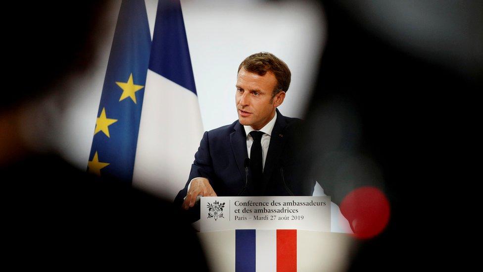 Macron en discurso.