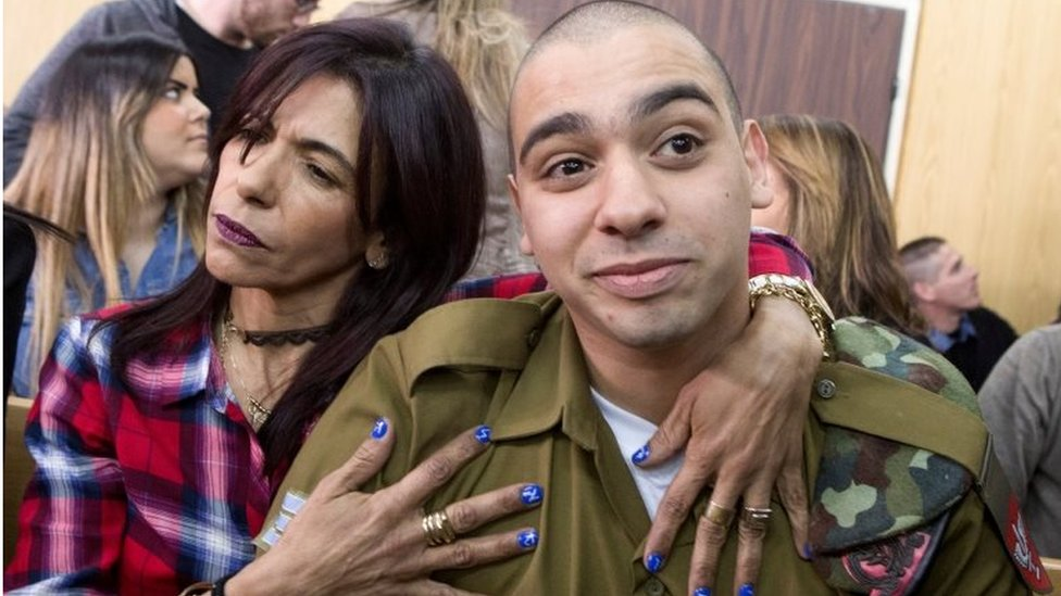 Azaria and his mother in court (21/02/17)