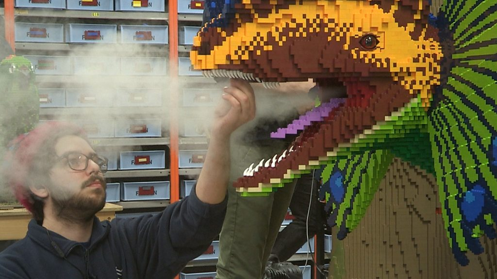 Giant LEGO dinosaurs are going on display at a Hampshire Zoo