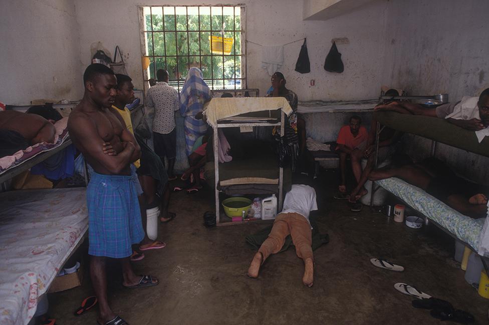 Imagem de arquivo de uma prisão no Haiti em 1998.