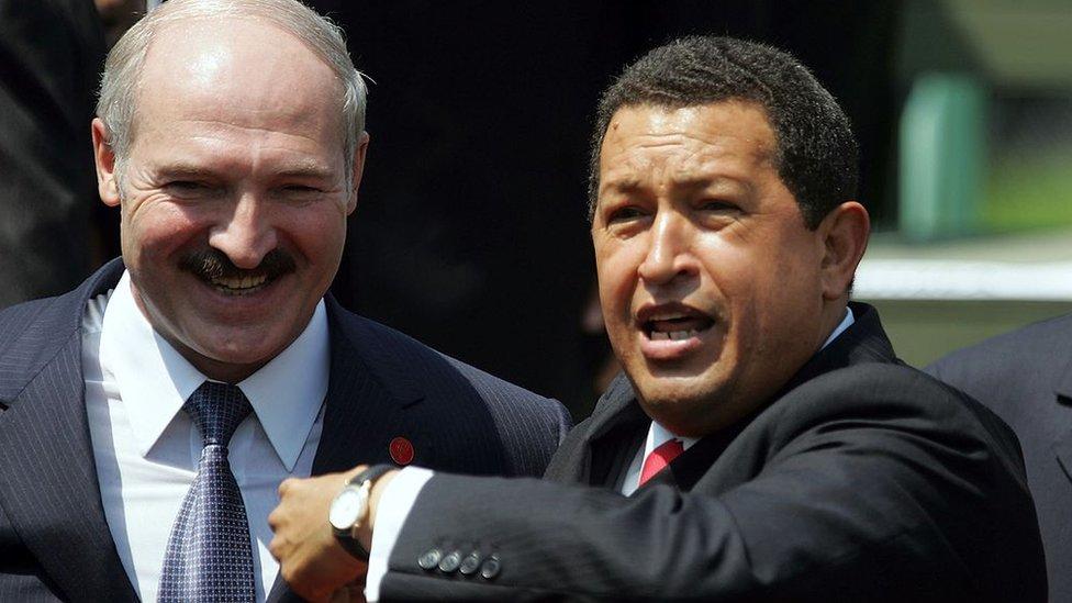Lukashenko y Chávez en La Habana, 2006.