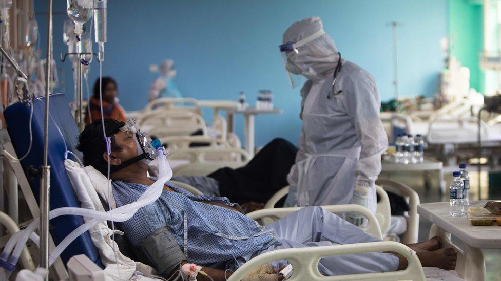 Paciente con covid-19 en el hospital