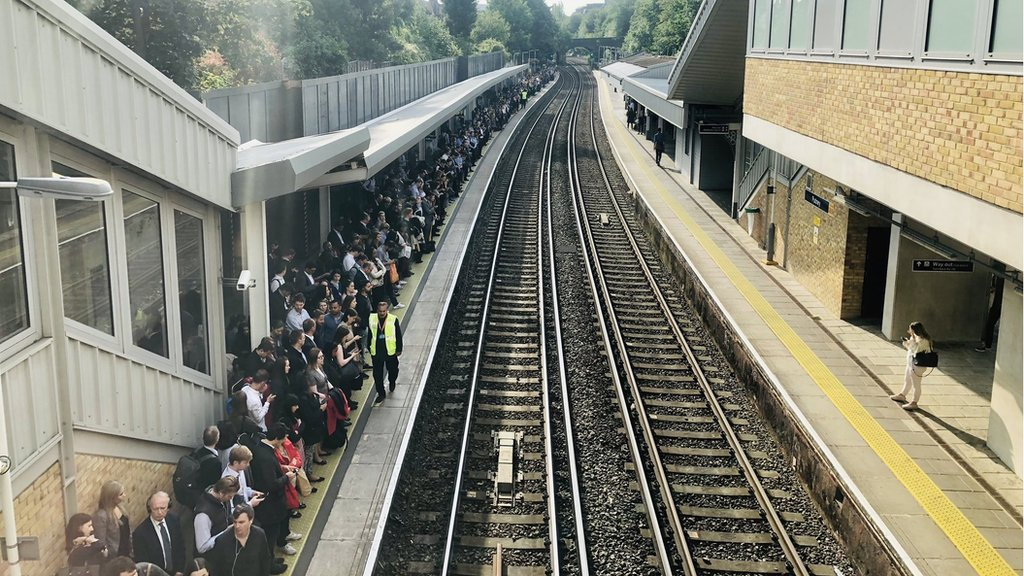 South Western Railway workers begin five-day strike