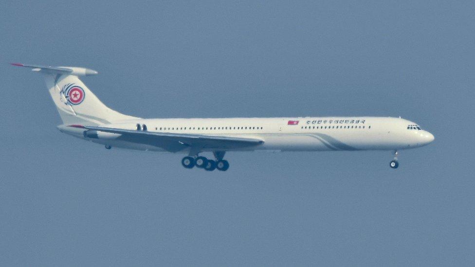 El jet norcoreano IL-62 llegando a Corea del Sur.