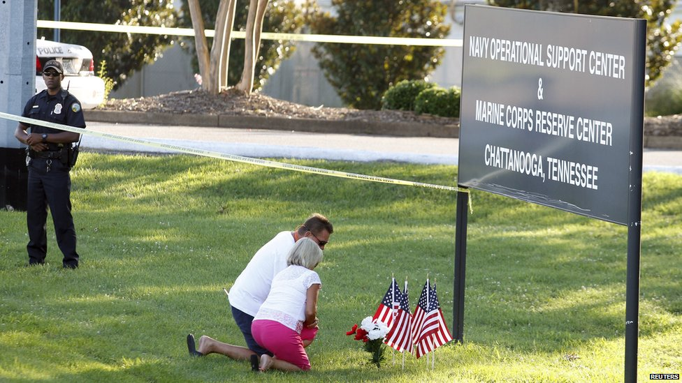 Tributes left at Naval Operational Support and Marine Corps Reserve Center in Chattanooga, Tennessee, on 16 July 2015