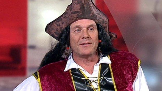 Pirate costume patient Craig Bryden loses cancer battle