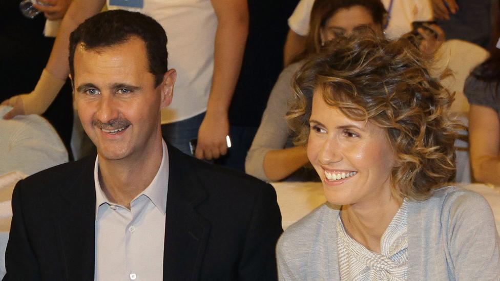صورة أرشيفية للأسد وزوجته في دمشق